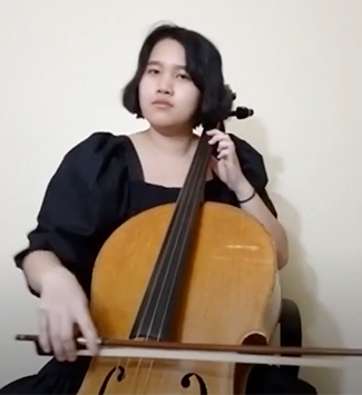 Ha Pham playing the cello